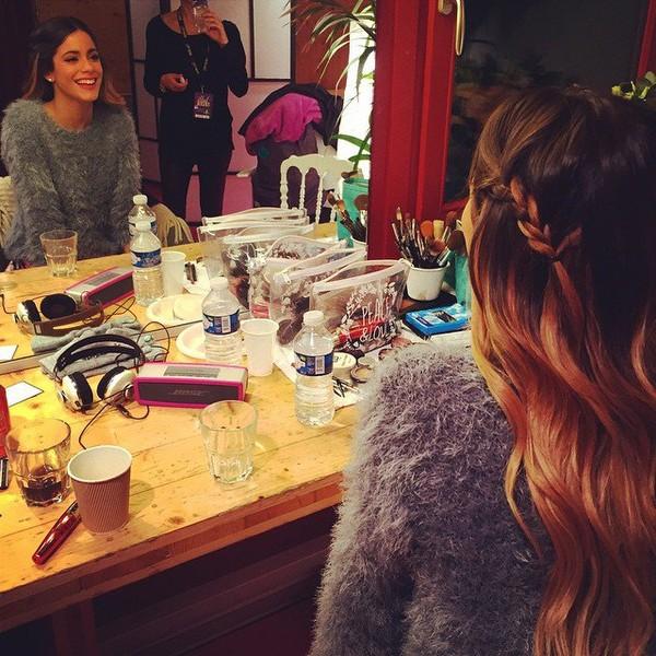 """Tini Stoessel on Instagram: """"@albaglance @vanesaaragon ❤️#ViolettaLive"""""""