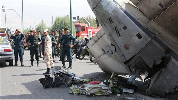 Un avion de la compagnie iranienne Sepahan Air assurant une liaison intérieure s'est écrasé dimanche sur un quartier résidentiel de la capitale après avoir décollé de l'aéroport Mehrabad de...