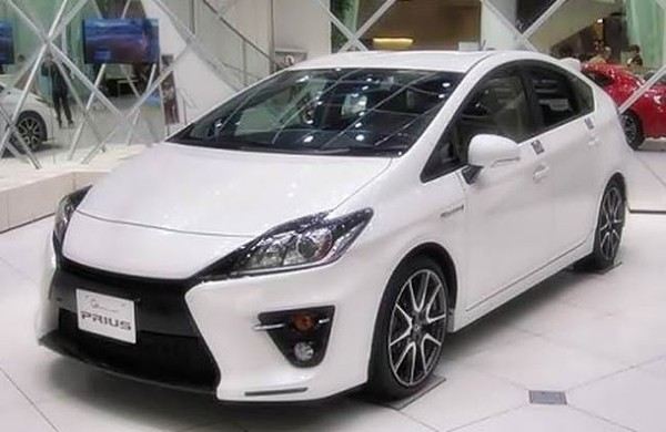 2017 Toyota Prius V Release Date Redesign