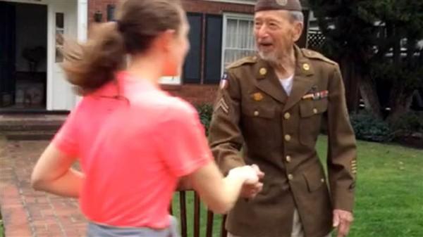 Runners detour race to thank 95-year-old World War II veteran - TODAY.com