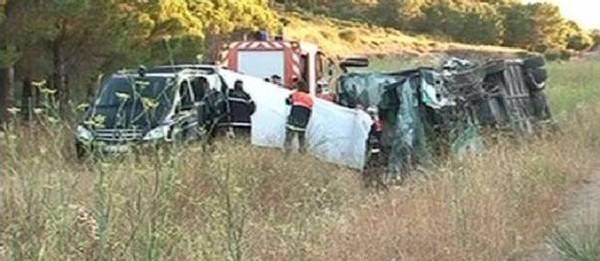 Accident d'autocar dans l'Aude : un passager impliqué