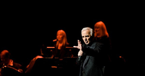 Charles Aznavour, Enduring French Singer of Global Fame, Dies at 94