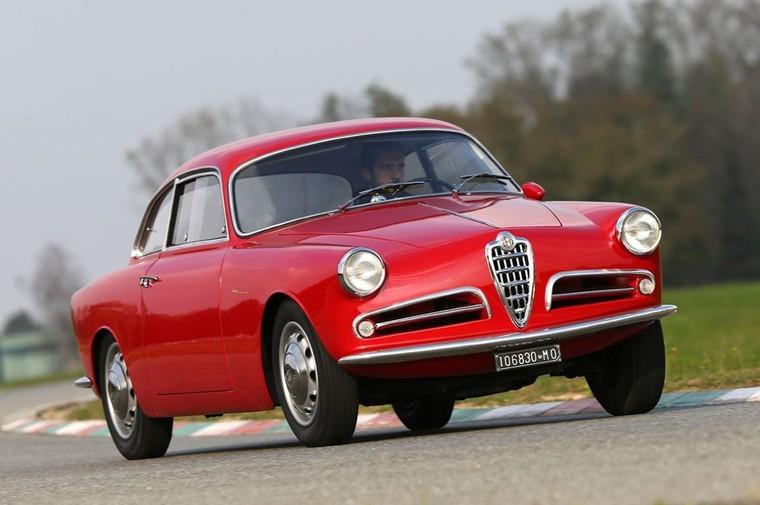 La voiture de sport de légende « made in Italy » fascinent toujours. Exposition à Bruxelles - LNO