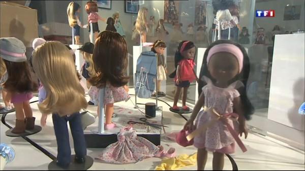 Le journal de 13h - Une exposition pour retrouver tout l'univers des poupées Corolle