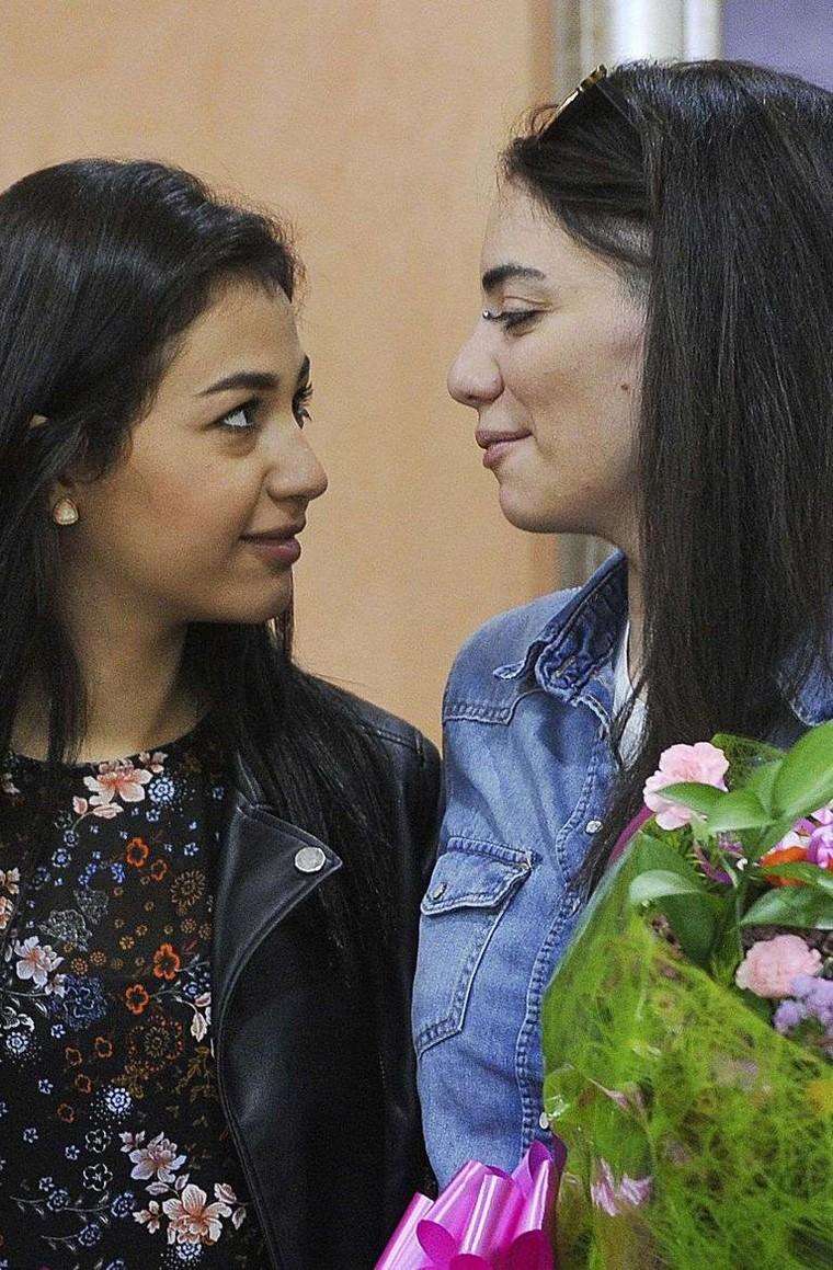 Emirats arabes unis, Géorgie, Turquie : piégées par le père de l'une d'elles, un couple de lesbiennes vit un cauchemar