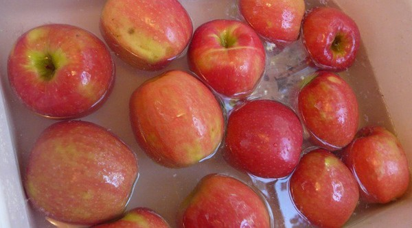 How To Make Homemade Apple Wax Remover - Healthy Food Society