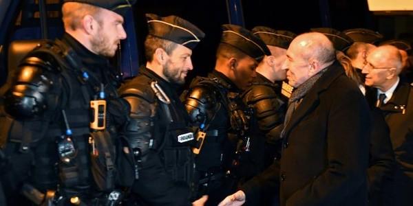La loi sur l'immigration de Collomb change-t-elle vraiment la tradition de l'asile à la française?
