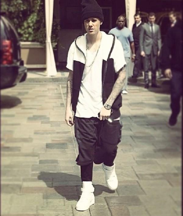 ISTERIE în rândul adolescenţilor! Justin Bieber, în România! SPYNEWS a aflat toate detaliile!