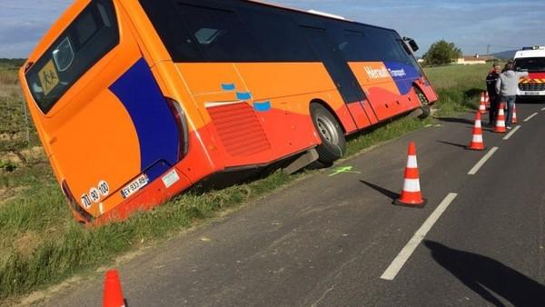 Hérault : un bus scolaire se renverse, quatre blessés