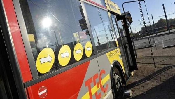 Une femme décède après avoir été heurtée par un bus