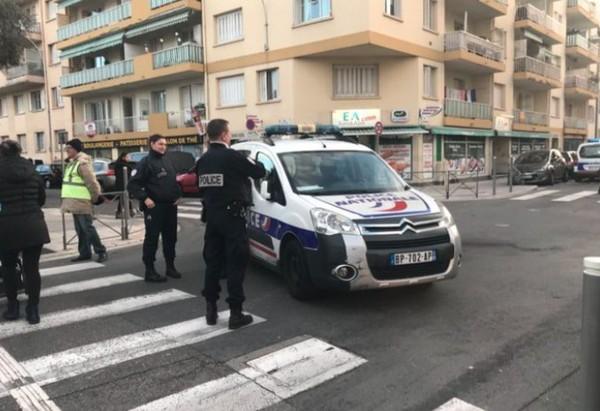 """Nice : une voiture fonce sur des surveillants pénitenciers, """"c'était intentionnel"""" (vidéo)"""